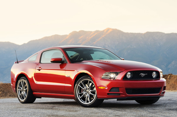 056307-2013-ford-mustang-gt-review-by-john-heilig.1-lg