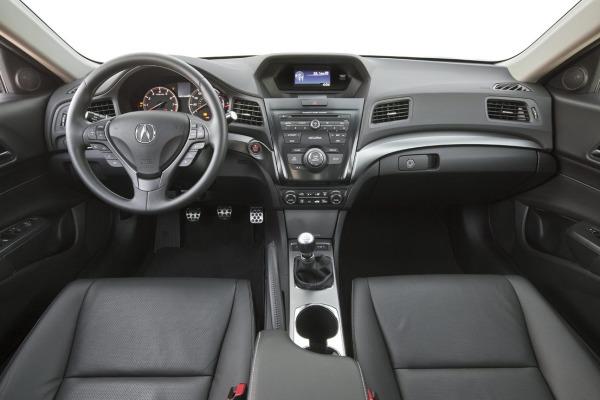 2013-Acura-ILX-17[5]