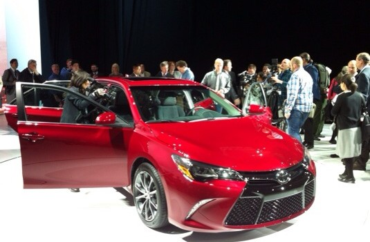 Toyota unveiled the new 2015 Camry, kicking off the 2014 New York Auto Show. Along with the exterior refresh, Two new grades join the lineup: the sporty and luxurious XSE […]